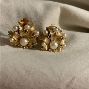 Vintage ART Gold Tone Pearl Clio Earrings
